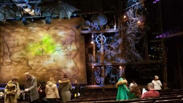 Gershwin Theatre, secção: Orchestra R, fila: M, lugar: 2