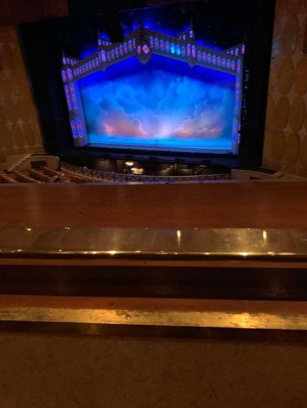 Fisher Theatre, secção: LRT, fila: A, lugar: 2