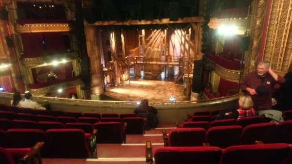 CIBC Theatre, secção: Mezzanine R, fila: G, lugar: 2