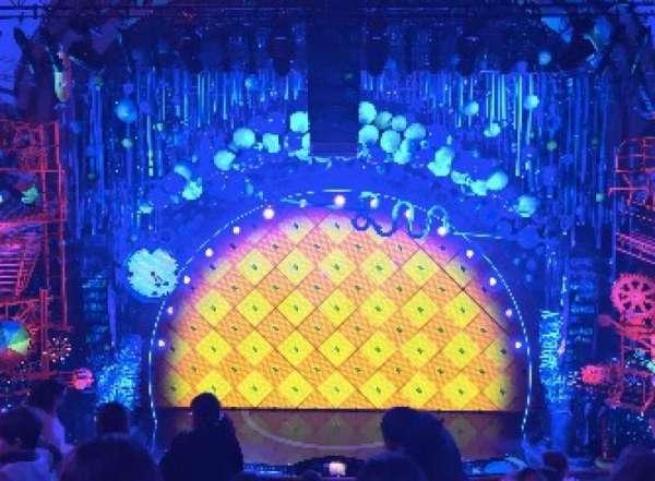 Palace Theatre (Broadway), secção: MEZZ, fila: F, lugar: 109