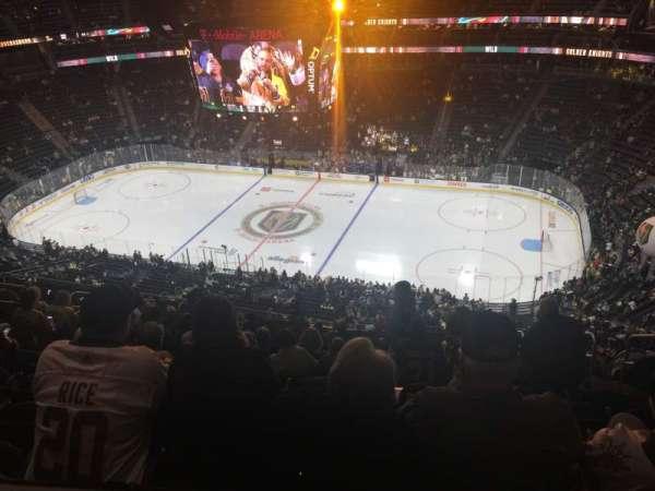 T-Mobile Arena, secção: 225, fila: Tt, lugar: 8