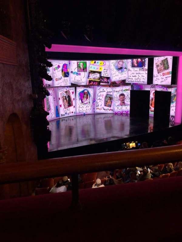 August Wilson Theatre, secção: Mezzanine L, fila: A, lugar: 17,19