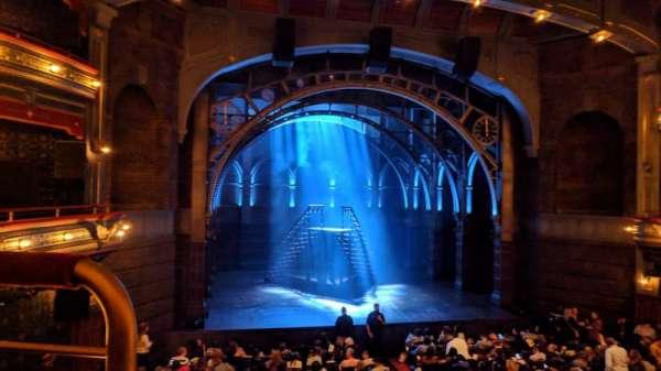 Lyric Theatre, secção: Dress Circle Center, fila: A, lugar: 101