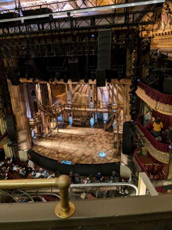 CIBC Theatre, secção: Balcony R, fila: B, lugar: 2