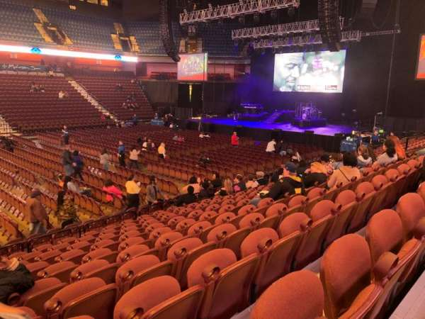 Mohegan Sun Arena, secção: 16