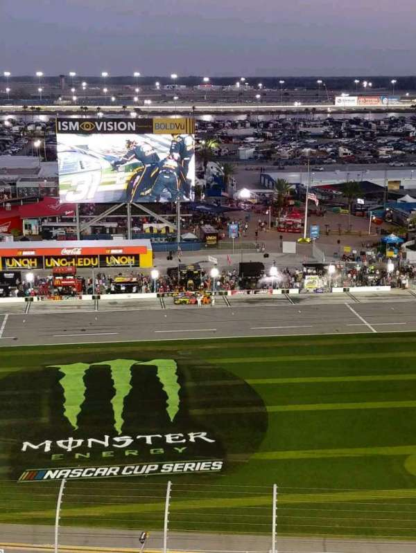 Daytona International Speedway, secção: 342, fila: 23, lugar: 7