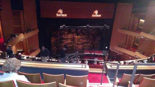 Durham Performing Arts Center, secção: 8, fila: N, lugar: 301