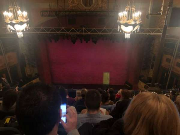 Shubert Theatre, secção: Balcony Center, fila: H, lugar: 105