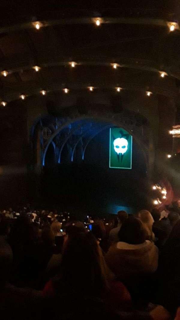 Lyric Theatre, secção: Dress Circle R, fila: H, lugar: 10