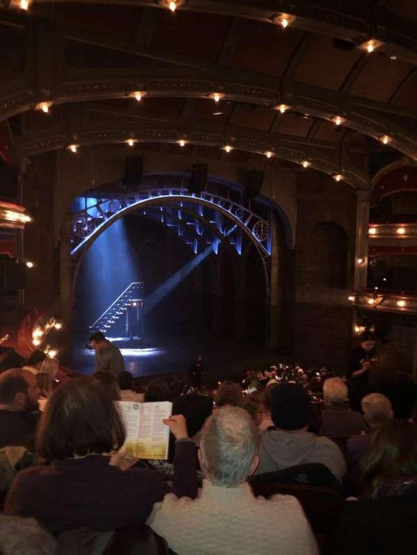 Lyric Theatre, secção: Dress circle l, fila: 6, lugar: 11