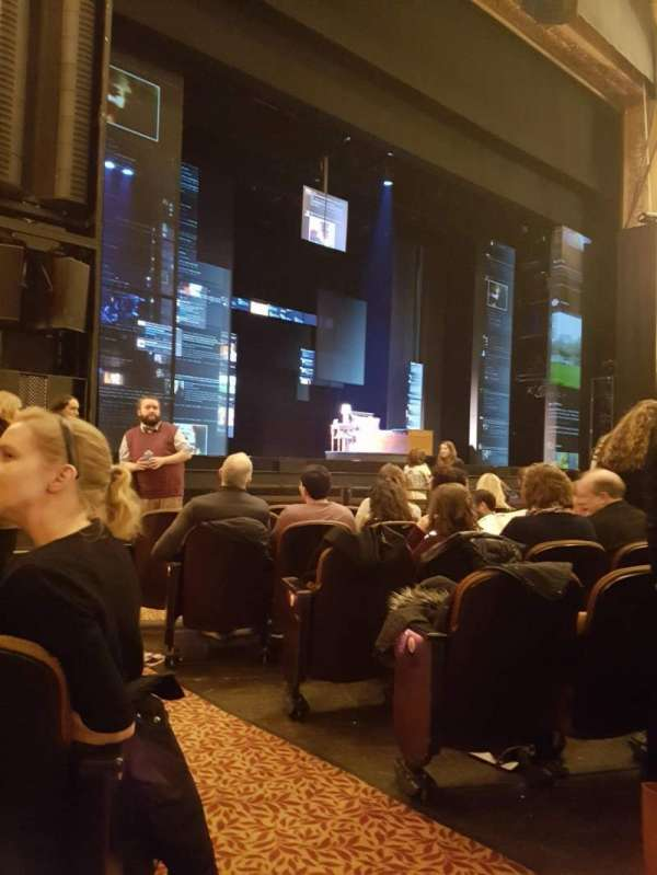 Paramount Theatre (Seattle), secção: MF4, fila: H, lugar: 2