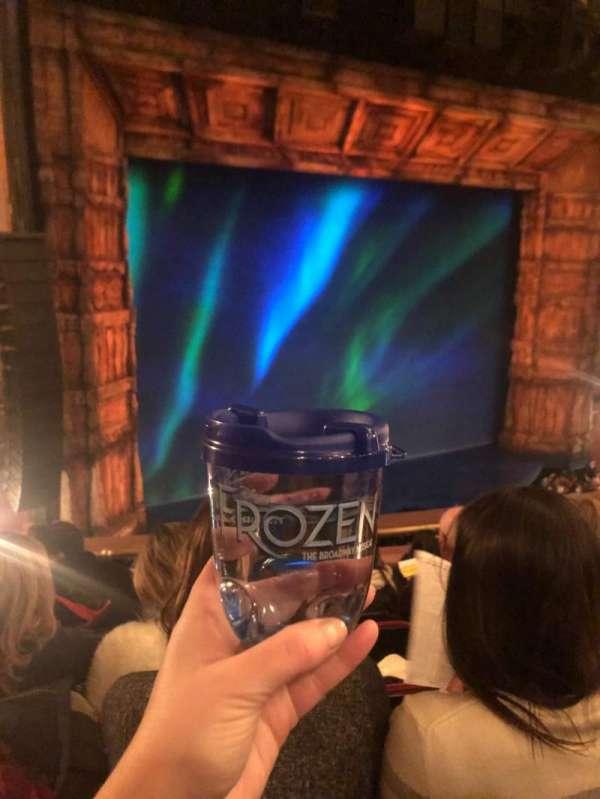 St. James Theatre, secção: Mezzanine L, fila: E, lugar: 19