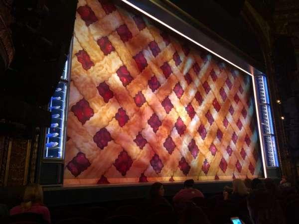 Brooks Atkinson Theatre, secção: Orchestra L, fila: E, lugar: 13