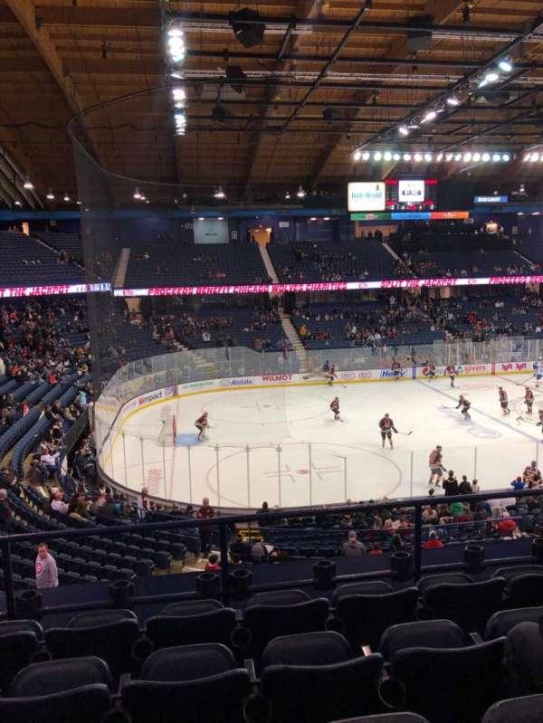 Allstate Arena, secção: 212, fila: E, lugar: 21