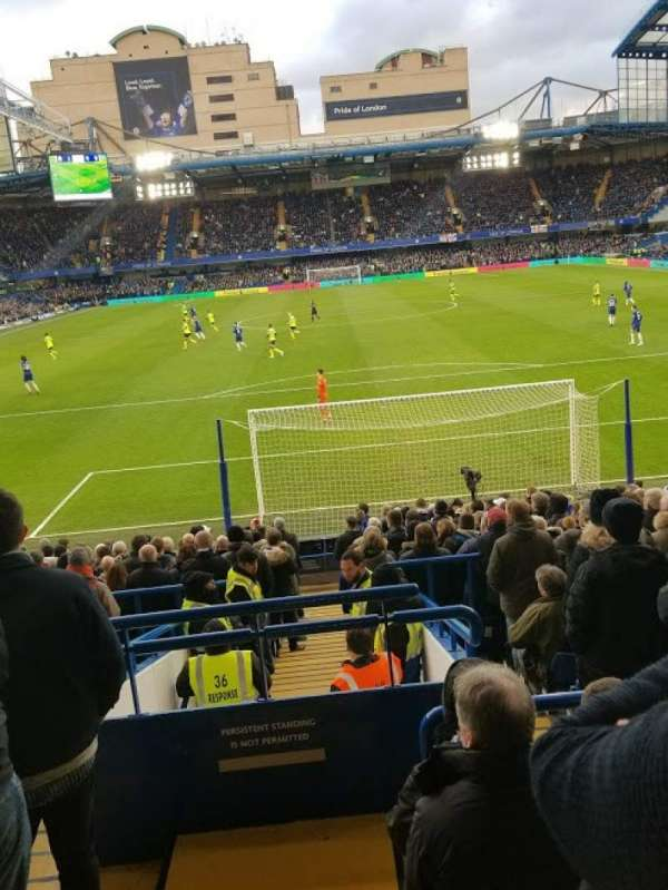 Stamford Bridge, secção: Matthew Harding Lower - L12, fila: X, lugar: 84