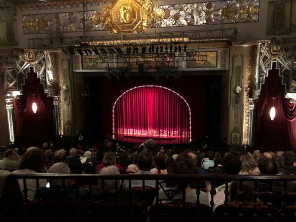 Hollywood Pantages Theatre, secção: Mezzanine RC, fila: J, lugar: 205