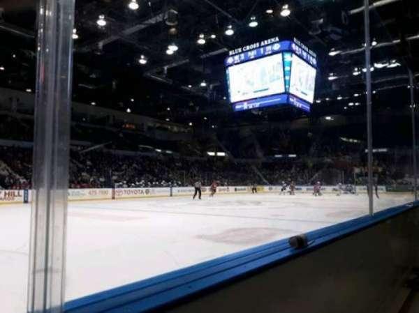 Blue Cross Arena, secção: 104, fila: A, lugar: 8