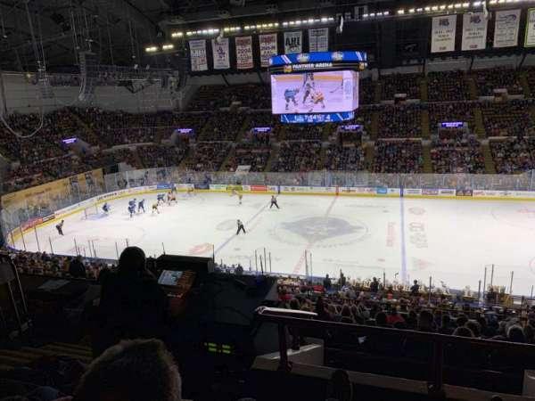 UW-Milwaukee Panther Arena, secção: 407, fila: 5, lugar: 7