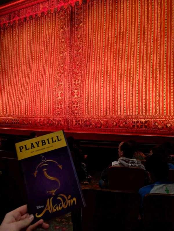 New Amsterdam Theatre, secção: Orchestra R, fila: G, lugar: 4