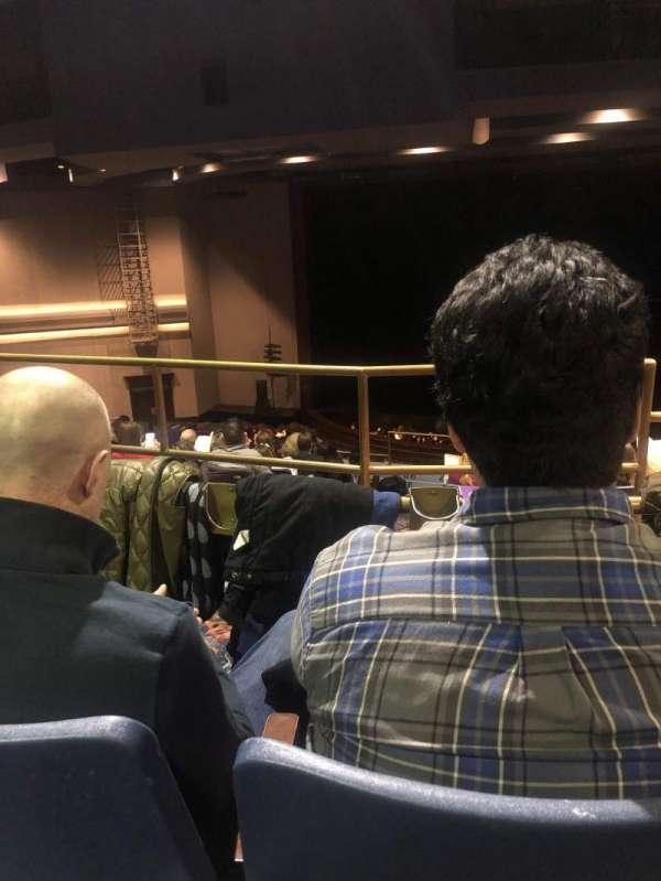 Rosemont Theatre, secção: 205, fila: J, lugar: 3