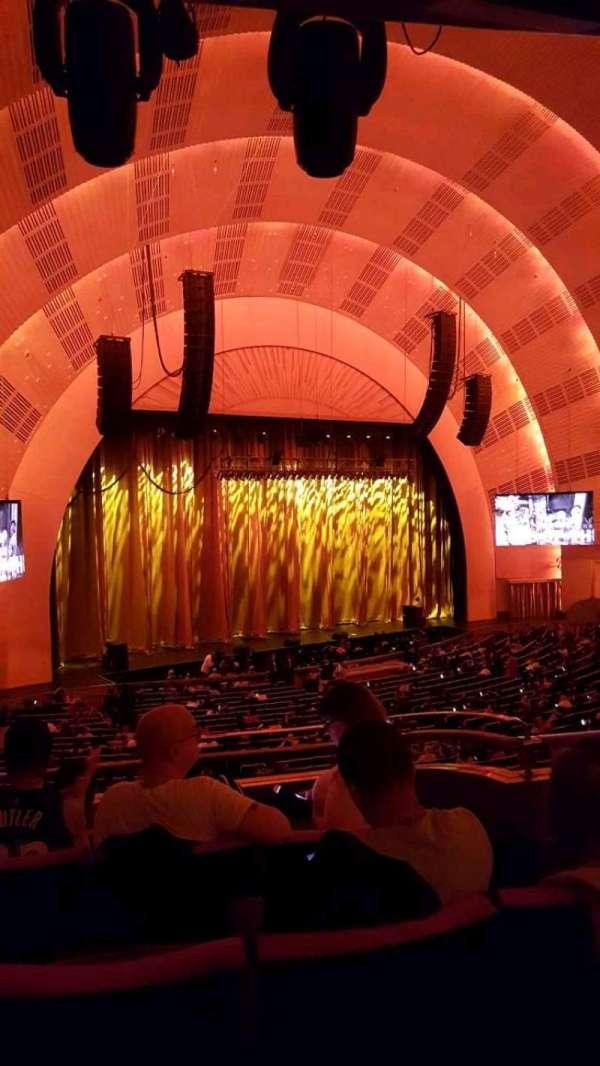 Radio City Music Hall, secção: 1ST Mezzanine 7, fila: D, lugar: 704
