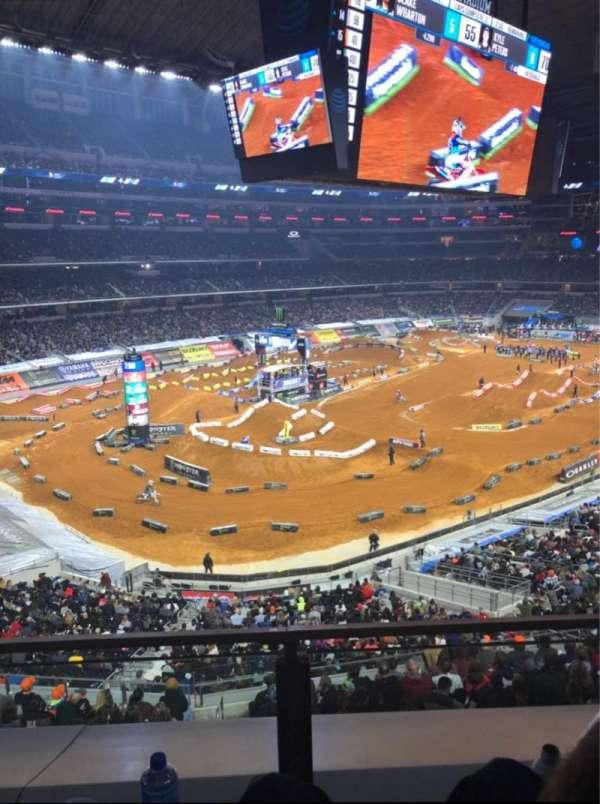 AT&T Stadium, secção: 318, fila: 2, lugar: 12