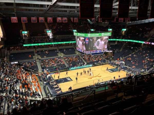 John Paul Jones Arena, secção: 315, fila: S, lugar: 6