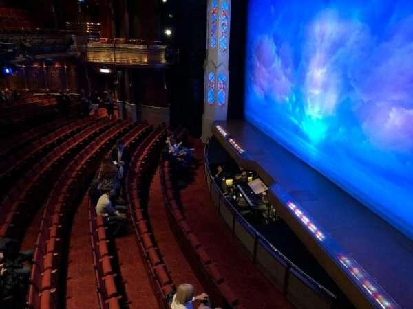 Prince of Wales Theatre, secção: Lodge, fila: 1, lugar: 2