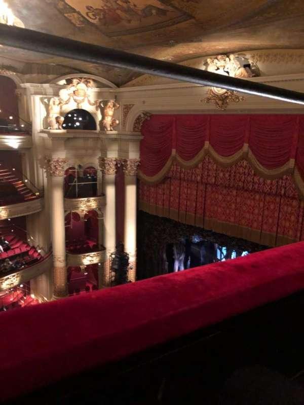Academy of Music, secção: Amphitheater B, fila: A, lugar: 34