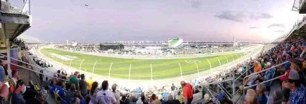Daytona International Speedway, secção: 153, fila: 31, lugar: 6