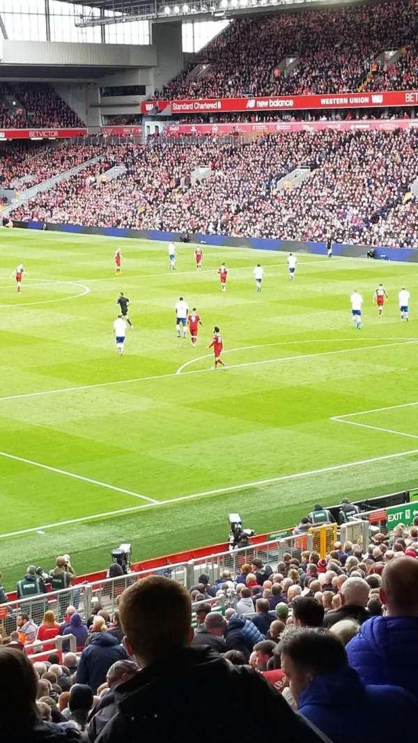 Anfield, secção: 203, fila: 3