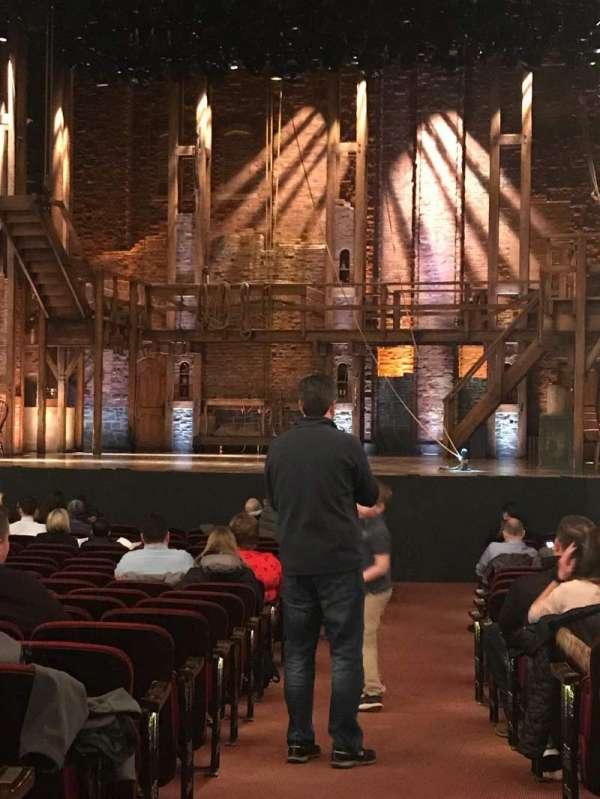 CIBC Theatre, secção: Aisle 2, fila: V, lugar: 119, 118