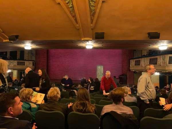 Shubert Theatre, secção: Orcho, fila: T, lugar: 8