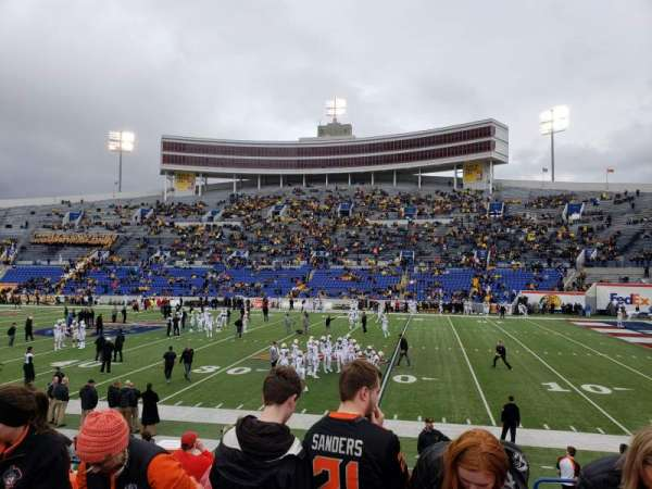 Liberty Bowl Memorial Stadium, secção: 102, fila: 14