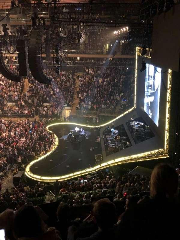Madison Square Garden, secção: 213, fila: 7, lugar: 1