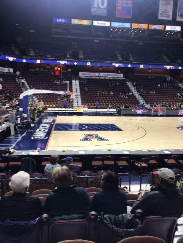 Mohegan Sun Arena, secção: 26, fila: H, lugar: 3