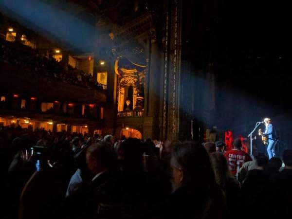 Chicago Theatre, secção: MNFL3R, fila: AA, lugar: 310