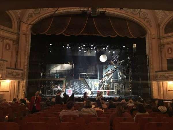 Merriam Theater, secção: Orchestra, fila: Q, lugar: 111