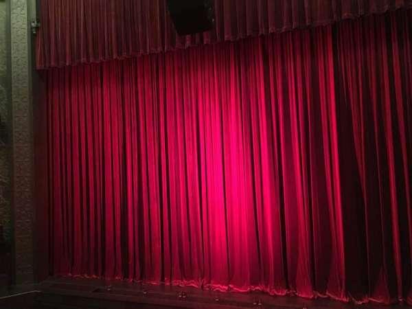 Mainstage at the New York City Center, secção: Grand Tier, fila: A, lugar: 119