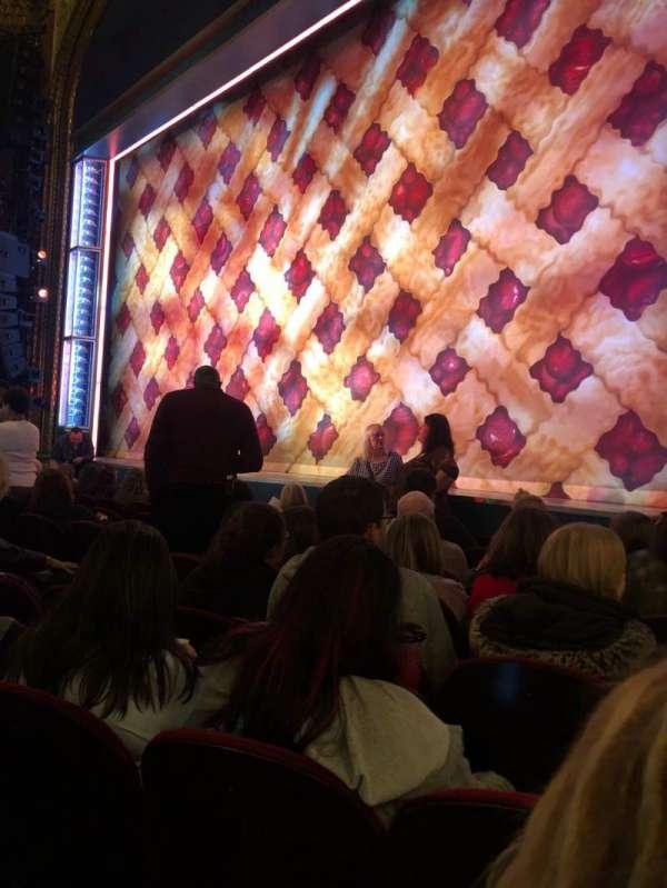 Brooks Atkinson Theatre, secção: Orch, fila: E, lugar: 16