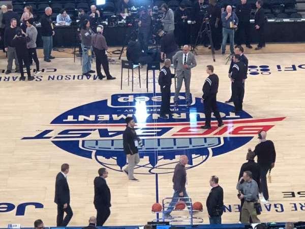 Madison Square Garden, secção: 211, fila: 5, lugar: 11