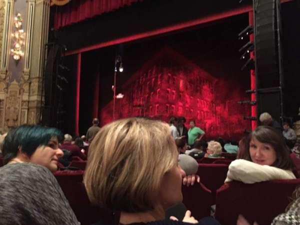 Nederlander Theatre (Chicago), secção: Orchestra R, fila: L, lugar: 12
