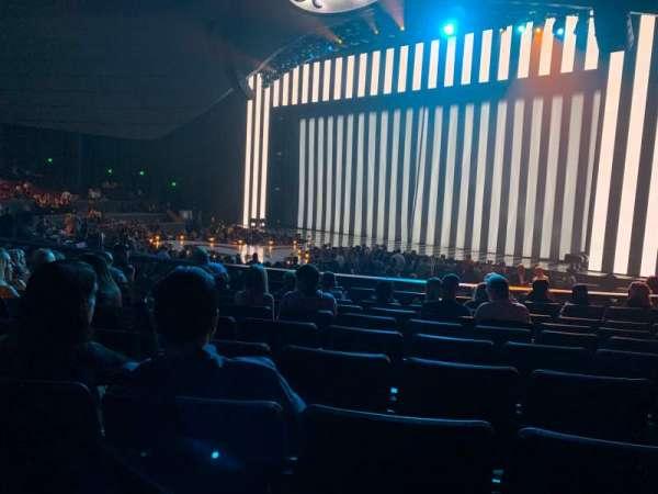 Zappos Theater, secção: 102, fila: J, lugar: 11