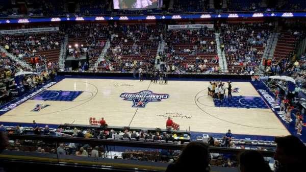Mohegan Sun Arena, secção: 106, fila: C, lugar: 8