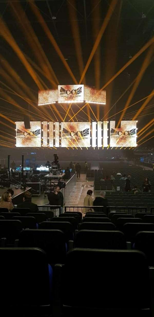 The O2 Arena, secção: 107, fila: E, lugar: 214/5