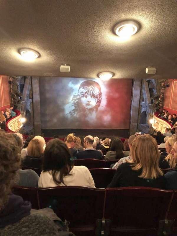 Queen's Theatre, secção: Dress circle, fila: K, lugar: 13