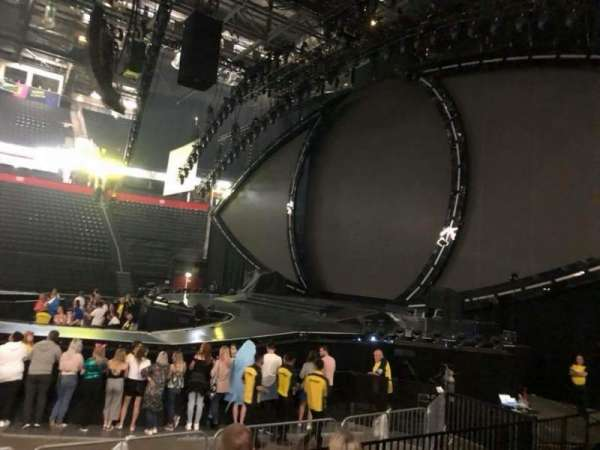 Manchester Arena, secção: 115, fila: F, lugar: 8