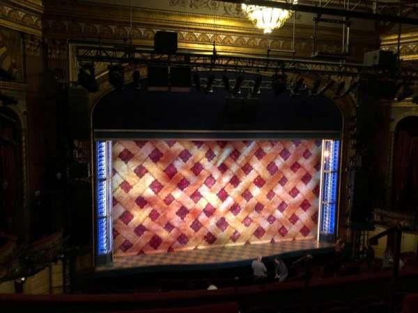 Brooks Atkinson Theatre, secção: Rear Mezzanine RC, fila: E, lugar: 124