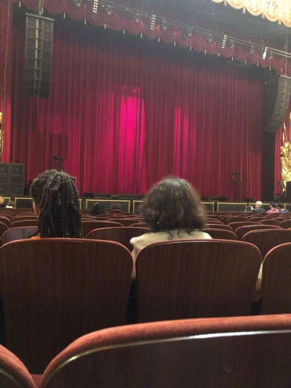 Beacon Theatre, secção: Orch 1, fila: K, lugar: 13