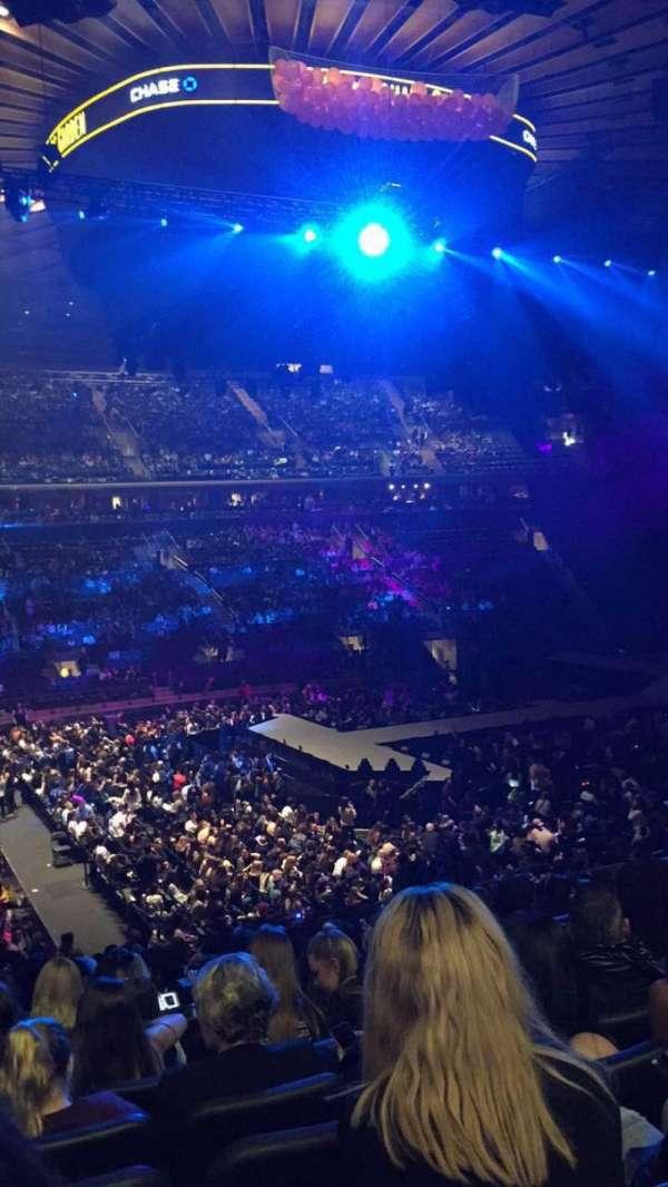 Madison Square Garden, secção: 106, fila: 20, lugar: 5